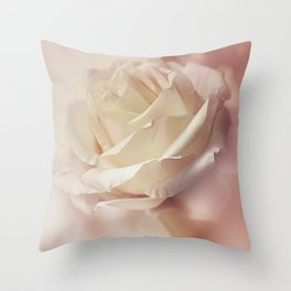 I carry your heart, i carry it in my heart Throw Pillow