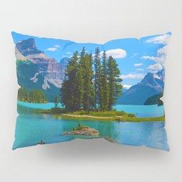 Spirit Island on Maligne Lake in Jasper National Park, Canada Pillow Sham
