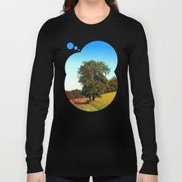 Old tree, vibrant surroundings Long Sleeve T-shirt