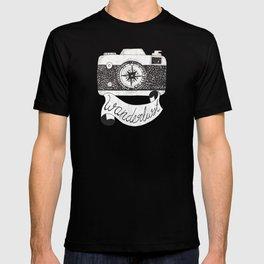 Wanderlust camera for traveler T-shirt