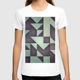 :: geometric maze VIII :: T-shirt