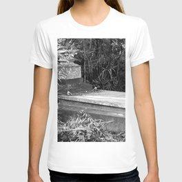 grave T-shirt