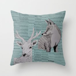 I skogen Throw Pillow