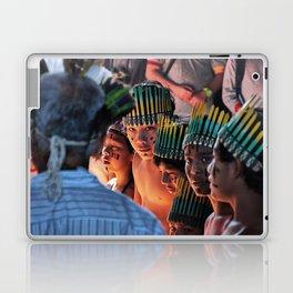 Look in the eyes Laptop & iPad Skin