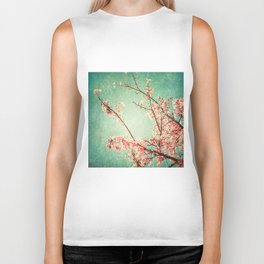 Pink Autumn Leafs on Blue Textured Sky (Vintage Nature Photography) Biker Tank