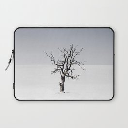 BARE TREE IN THE MIDDLE OF SNOW Laptop Sleeve