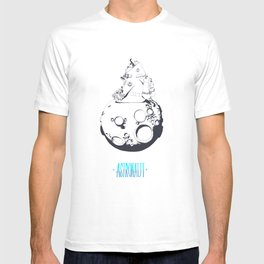 Astronaut on the moon. T-shirt