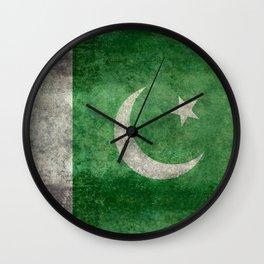 Pakistani flag, vintage retro style Wall Clock