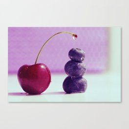 Food Design fresh Cherry and Bluebeeries Canvas Print