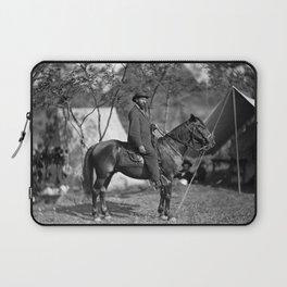 Allan Pinkerton On Horseback - Battle of Antietam - 1862 Laptop Sleeve