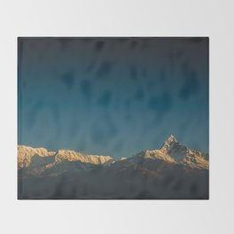 Himalayan sunrise Throw Blanket