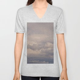 Clouds in the blue sky indicate the arrival of a disturbance Unisex V-Neck
