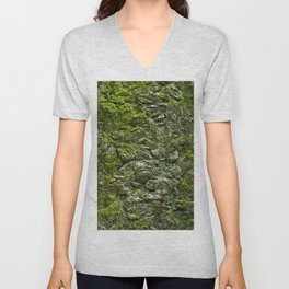 Green wall covered with moss and little plants Unisex V-Neck