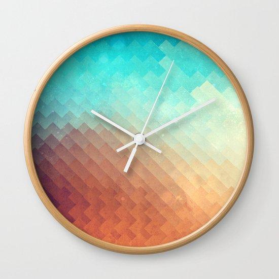 plyyn hyte Wall Clock