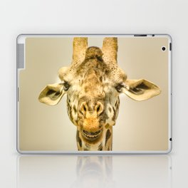 Giraffa's portrait Laptop & iPad Skin