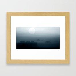 Sieben Uhr MEZ. am Morgen. Framed Art Print