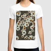 leah flores T-shirts featuring Flores by Gabriel Sul