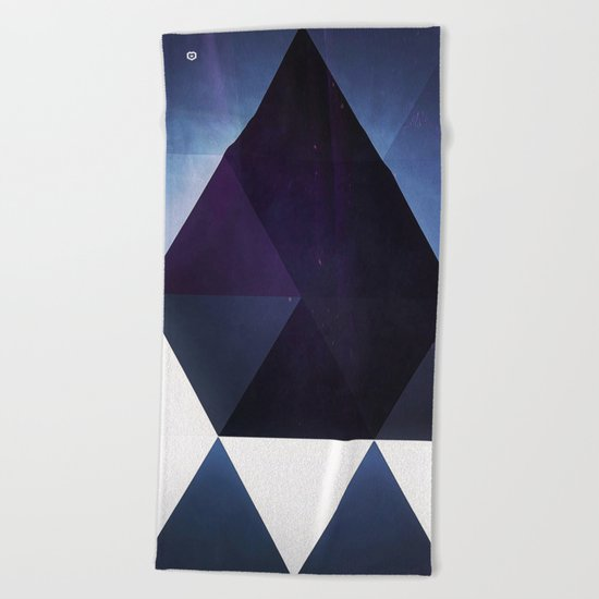 blyyk jwwl Beach Towel