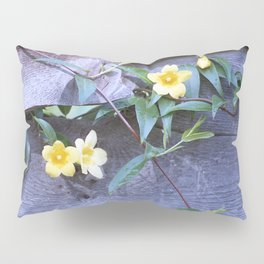 petite yellow flowers Pillow Sham