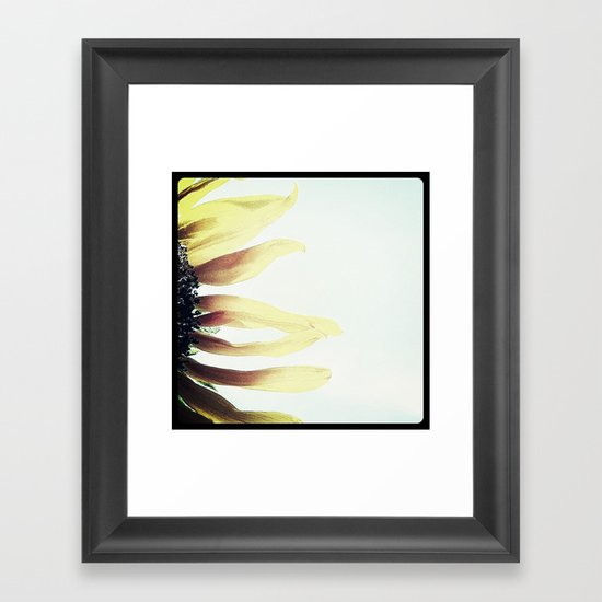 FLOWER 016 Framed Art Print