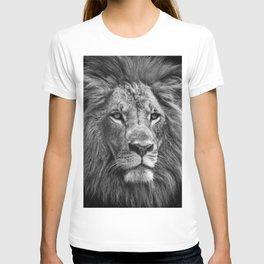 The Lion Portrait (Black and White) T-shirt