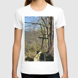 Cross in Miglos T-shirt