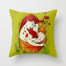 L'oeuf Throw Pillow