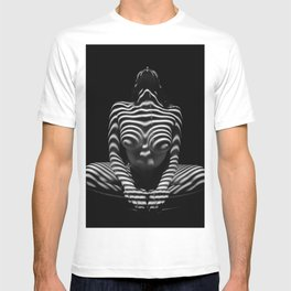 1152-MAK Abstract Nude Black & White Zebra Striped Woman Topographic Feminine Body T-shirt