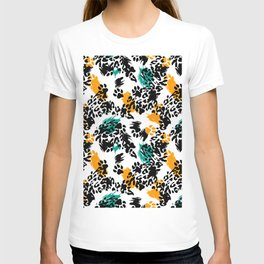 Beautiful leopard texture pattern T-shirt