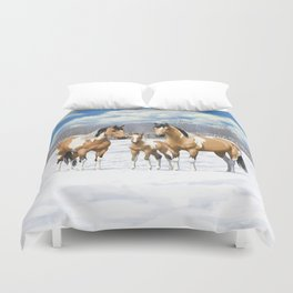 Buckskin Pinto Paint Quarter Horses In Snow Duvet Cover