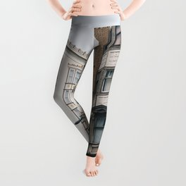 SELECTIVE FOCUS PHOTOGRAPHY OF BUILDING Leggings