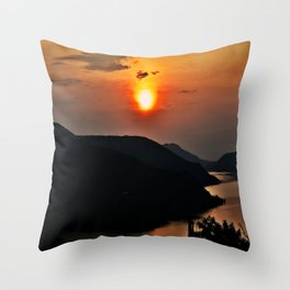 Sunset and the river Throw Pillow