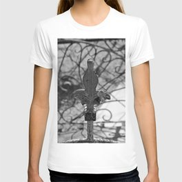 Final Fleur de Lis- vertical T-shirt