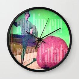 Groze patate Wall Clock