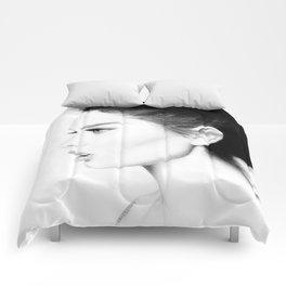 Belle femme Comforters