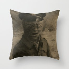 El soldado sin rostro Throw Pillow