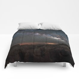 MILKY WAY OVER FAIRYLAND CANYON Comforters