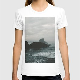 Crashing Waves on Cannon Beach Oregon T-shirt