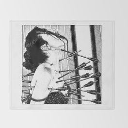 asc 778 - La lione blessée (Love is a killer) Throw Blanket