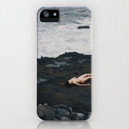 El corazón ama lo simple iPhone Case