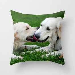 Giochi da cani Throw Pillow