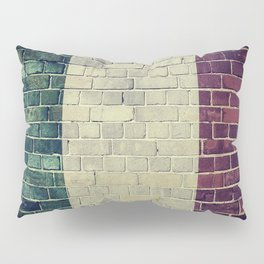 Vintage Italy flag on a brick wall Pillow Sham