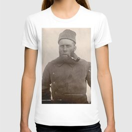 Bearded Ship Captain with Pipe - Vintage Photo T-shirt