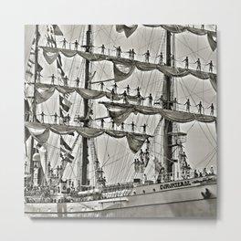 Veracruz barco cuauthemoc con marinos arriba Metal Print