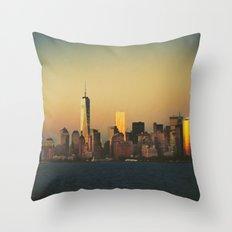 New York City Skyline - Dramatic Sunset Throw Pillow