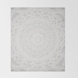 Mandala Soft Gray Decke