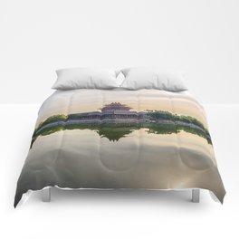 Forbidden City moat Comforters