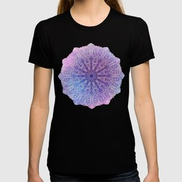 big paisley mandala in light purple T-shirt