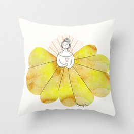 Robe couleur soleil // Putting on my sunshine dress. Throw Pillow