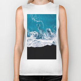 Black sand beach with waves and blue Ocean in Iceland – Minimal Photography Biker Tank